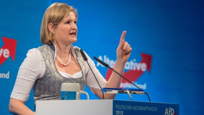 Katrin Ebner-Steiner Abmahnung