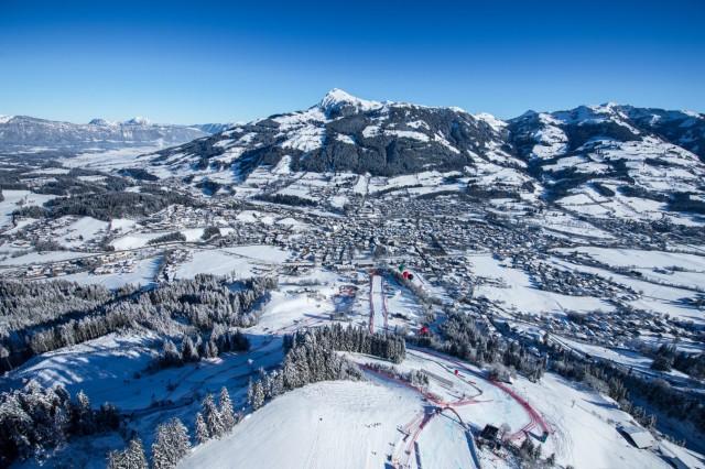 Mehr Wintersport: Riesen-Skiarenen und XXL-Saisonkarten