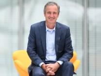 Dr. Frank Mastiaux  Vorsitzender des Vorstands / Chief Executive Officer