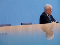 German CSU leader Seehofer analyses Bavaria election loss