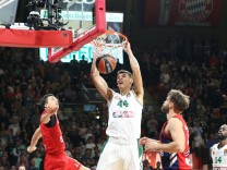 Konstantinos Mitoglou 44 Panathinaikos OPAP Athen beim Dunk FC Bayern Basketball vs Panathinaiko