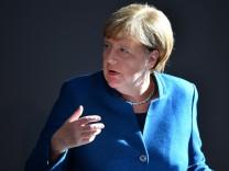 Angela Merkel spricht im Deutschen Bundestag