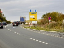 Parsdorf Kreisverkehr bei Segmüller
