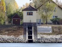 Niedriger Wasserstand am Rhein