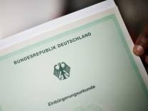 Einbürgerungsurkunde für die Bundesrepublik Deutschland