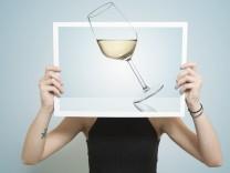 White wine glass; Frau Weinglas