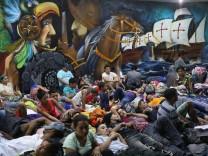Migrant Caravan Pushes Through Guatemala Towards Mexico