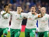 Gelsenkirchen 20 10 2018 Torjubel Maximilian Eggestein Werder Max Kruse Werder FC Schalke 04