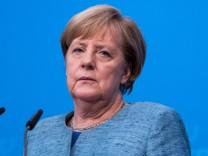 Angela Merkel (CDU) auf einer Pressekonferenz