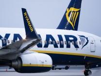 Ryanair-Flugzeug auf dem Flughafen Weeze