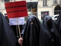 Frankreich: Demonstration gegen das Burka-Verbot