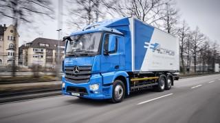 Vollelektrische Mercedes-Benz Lkw für den schweren Verteilerverkehr: Nachhaltig, vollelektrisch und leise: Mercedes-Benz eActros geht 2018 in den Kundeneinsatz  All-electric Mercedes-Benz trucks for the heavy-duty distribution sector: Sustainable, fully e