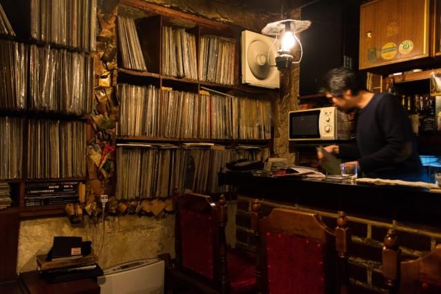 Thema: Tokyo Jazz Kissaten Credit: Philip Arneill Online: Ja Honorar: Ja