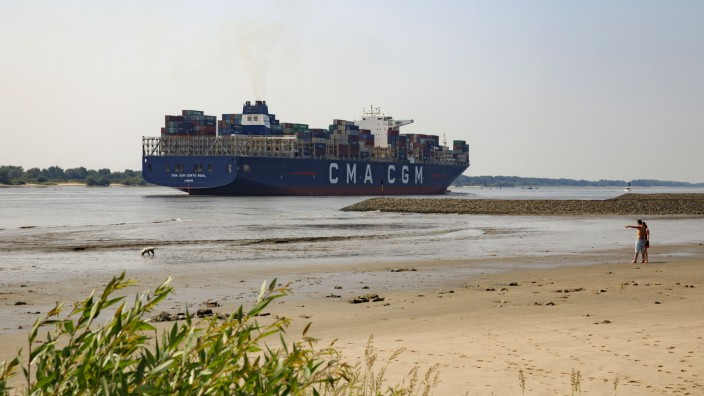 Shipping Companies Face Uncertainty As Trade War Looms