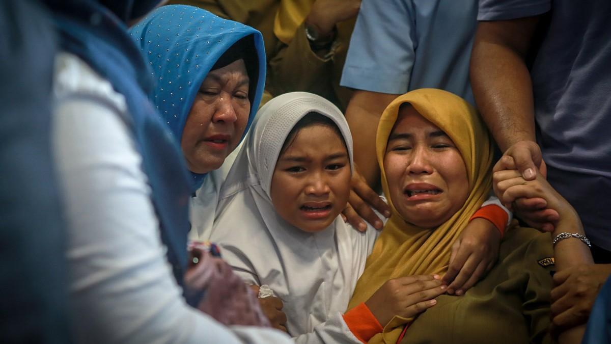 Indonesien Flugzeugabsturz In Jakarta Panorama Süddeutschede