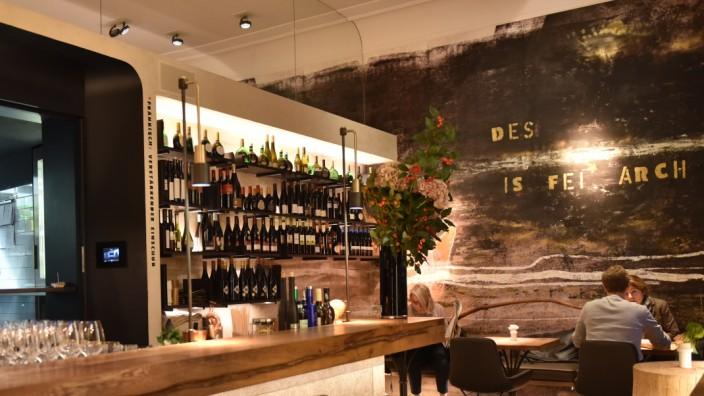 Für Wein-Liebhaber in München: Neue Bar und Speiselokal ...