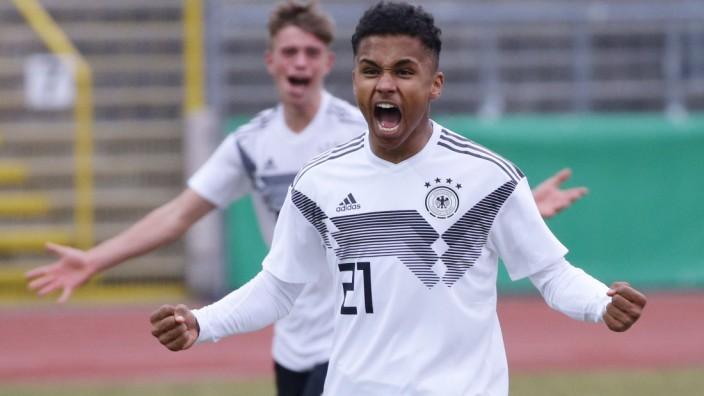 Ulm Fußball U 16 Länderspiel Deutschland vs Italien von vorne Karim Adeyemi GER Marvin; Adeyemi