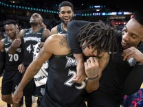 October 31 2018 Minneapolis MN USA Derrick Rose was surrounded by teammates at the end of th; Derrick Rose