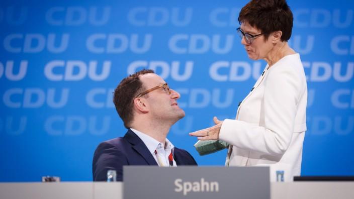 Bilder des Tages 26 02 2018 Berlin Deutschland GER 30 Parteitag der CDU Deutschlands Jens Spahn