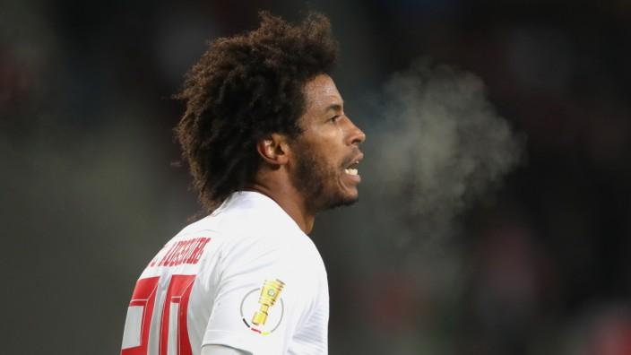 Der Fußballer Caiuby vom FC Augsburg