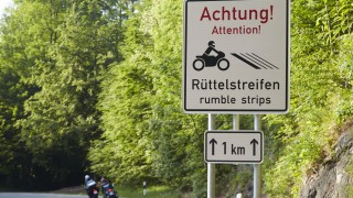 Kesselberg Rüttelstreifen rumble stripes