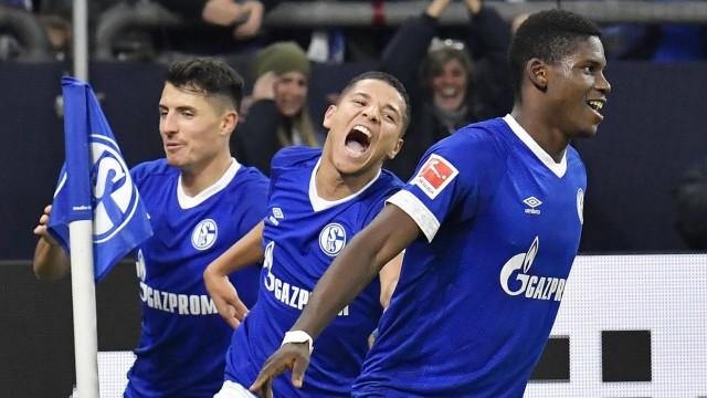 Sport am Wochenende Schalke besiegt Hannover 3:1