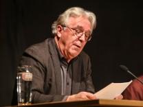 Gerd Anthoff bei Lesung in Schwabhausen, 2015