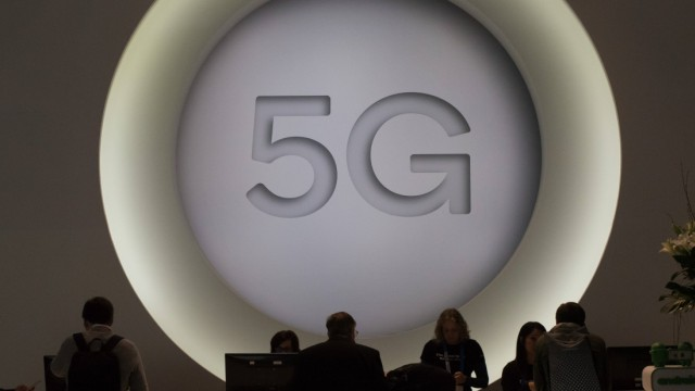 February 27 2018 Barcelona Catalonia Spain Congressmen learn about the new 5G technology duri