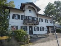 Höhenkirchen-Siegertsbrunn, Serie Landmarken, Alte Apotheke unter Denkmalschutz; Foto: Angelika Bardehle