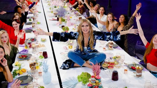 GNTM - Heidi Klum präsentiert Germany's next Topmodel 2019