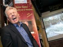 Benefiz-Weihnachts-CD. Premiere des Musikvideos: Weihnachtszeit in München mit OB Dieter Reiter im Kilians Irish Pub (Frauenplatz 11).