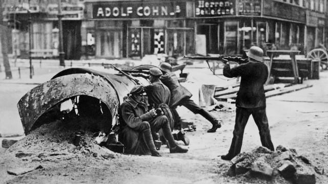 Spartakusanhänger bei Kämpfen in Berlin, 1919