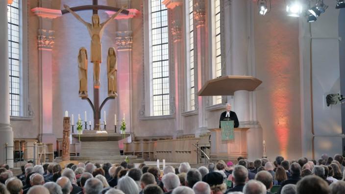 Mit einem Gottesdienst in der Wuerzburger Kirche St Stephan hat am Sonntag 11 11 2018 die Jahres