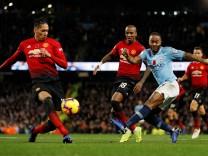Premier League - Manchester City v Manchester United