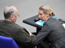 AfD-Fraktionsvorsitzende Alexander Gauland und Alice Weidel
