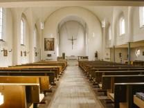 Neubiberg, 90 Jahre Kirche Rosenkranzkönigin,