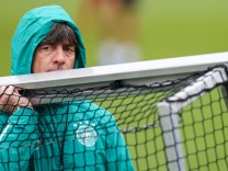 Bundestrainer Jogi Löw beim Training der Fußball-Nationalmannschaft