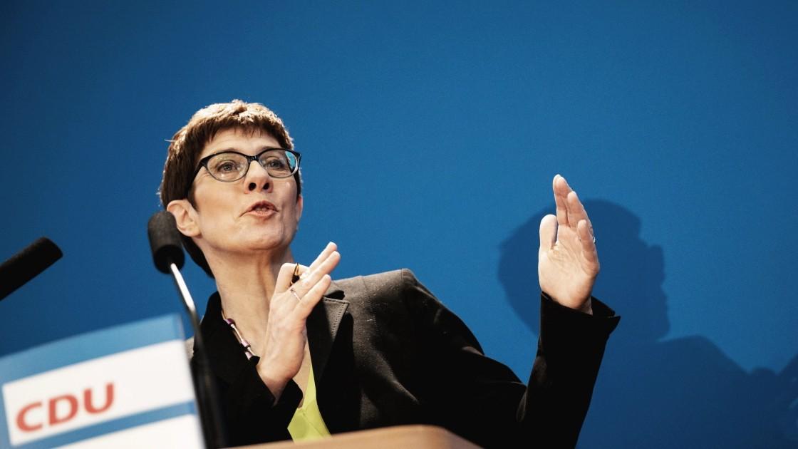 """Kramp-Karrenbauer plädiert für """"große Steuerreform"""""""