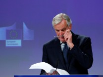 EU chief Brexit negotiator Barnier delivers a statement after Britain's PM May's cabinet meeting, in Brussels
