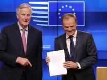 Brexit - Tusk beruft EU-Sondergipfel ein