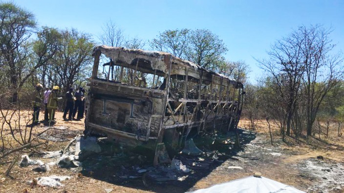 Mindestens 42 Tote bei Busunfall in Simbabwe