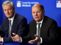 French Economy Minister Le Maire and German Finance Minister Scholz hold a news conference in Brussels