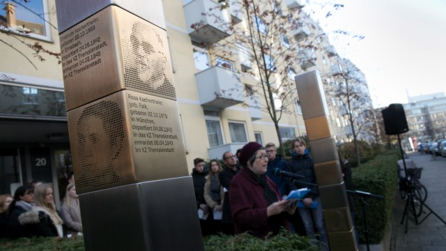 Erinnerungsstelen für Juden an der Bürkleinstraße 20