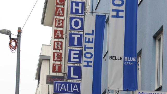 In der Schillerstraße reiht sich Hotel an Hotel.