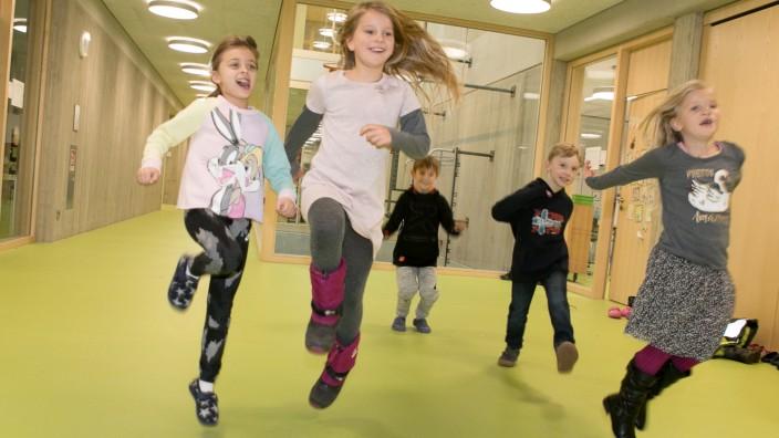 Kooperative Ganztagsbildung in der Grundschule am Pfanzeltplatz 10 in Perlach