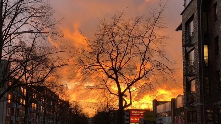Sonnenuntergang wie ein Großfeuer