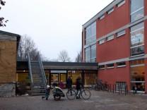 Die Kraillinger Grundschule im Winter