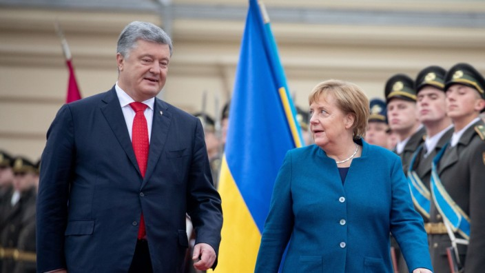 Angela Merkel 2018 bei einer Ukraine-Reise in Kiew