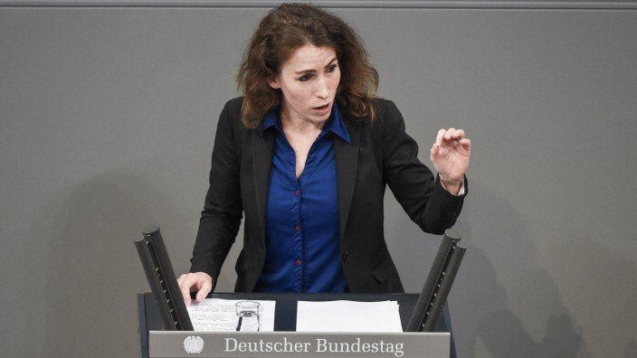 AfD-Kandidatin Mariana Harder-Kühnel im Bundestag