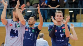 Jonas SAGSTETTER 4 AV nach Spielende Volleyball Hypo Tirol Alpenvolleys Unterhaching AV No